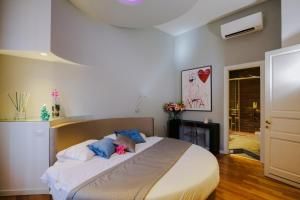 Trevi Fashion Suites, Apartments  Rome - big - 31