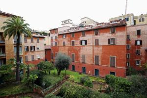 Trevi Fashion Suites, Apartments  Rome - big - 33