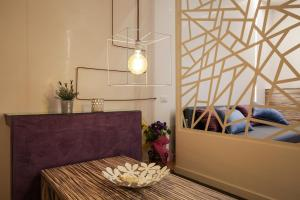 Trevi Fashion Suites, Apartments  Rome - big - 42