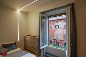 Trevi Fashion Suites, Apartments  Rome - big - 43