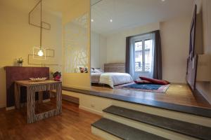 Trevi Fashion Suites, Apartments  Rome - big - 44