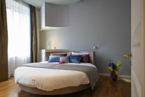 Trevi Fashion Suites, Apartments  Rome - big - 45