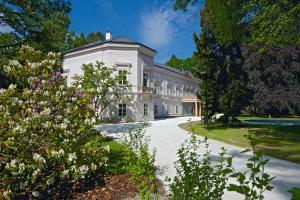 Zámek Ratmerice - Hotel & Resort