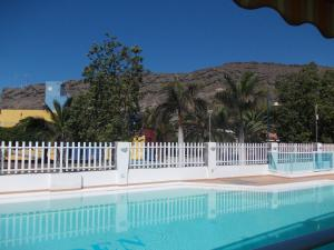 Golden Beach appartement met Pool, Apartmanok  Puerto de Mogán - big - 4