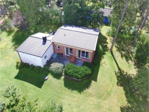Three Bedroom Holiday Home in Yngso