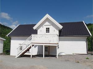 Three Bedroom Holiday Home in Mandal