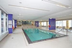 Luxury Furnished Corporate Suite in Downtown Toronto, Ferienwohnungen  Toronto - big - 4