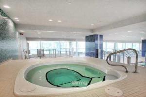 Luxury Furnished Corporate Suite in Downtown Toronto, Appartamenti  Toronto - big - 18
