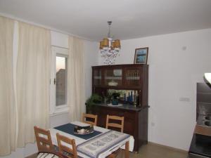 Apartment Karom, Апартаменты  Сремски-Карловци - big - 6
