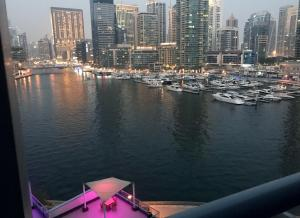 Yanjoon Holiday Homes - Marina Wharf - Dubai
