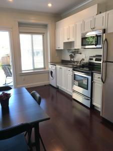 2 Bedrooms Suite in Burnaby Upper Deer Lake.  Foto 17