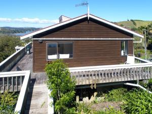 Church Bay Views, Holiday homes  Oneroa - big - 4