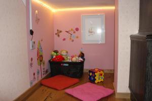 Rainbow estate, Dovolenkové domy  Drušče - big - 37