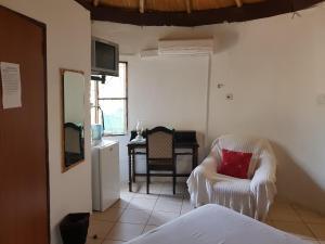 Keba Guest House, Penziony  Mahalapye - big - 6