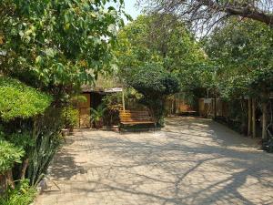 Keba Guest House, Penziony  Mahalapye - big - 4