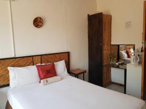Keba Guest House, Penziony  Mahalapye - big - 10