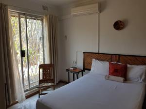 Keba Guest House, Penziony  Mahalapye - big - 5