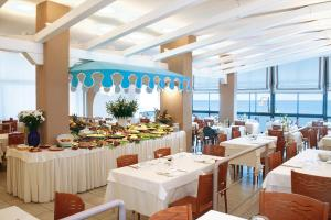 Hotel Manila, Hotely  Lido di Jesolo - big - 37