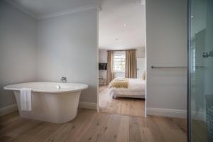 Rozenhof Guest Accommodation, Гостевые дома  Стелленбос - big - 18