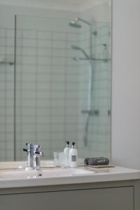 Rozenhof Guest Accommodation, Гостевые дома  Стелленбос - big - 37