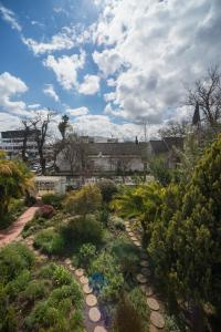 Rozenhof Guest Accommodation, Гостевые дома  Стелленбос - big - 100