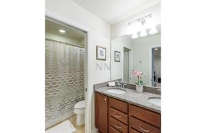 Four Bedroom Vacation Townhouse 19md86 Windsor at Westside, Holiday homes  Kissimmee - big - 21