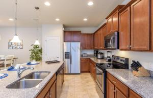 Four Bedroom Vacation Townhouse 19md86 Windsor at Westside, Holiday homes  Kissimmee - big - 34