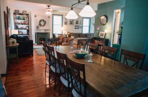 Monks House- Yale/New Haven, Ferienhäuser  New Haven - big - 19