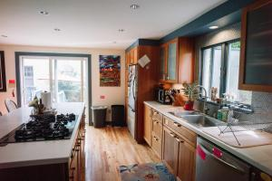 Monks House- Yale/New Haven, Ferienhäuser  New Haven - big - 15
