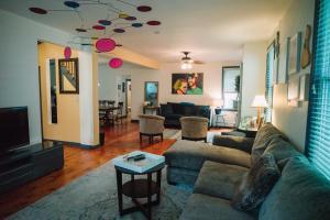 Monks House- Yale/New Haven, Ferienhäuser  New Haven - big - 9