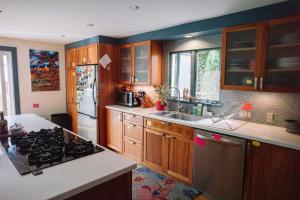Monks House- Yale/New Haven, Ferienhäuser  New Haven - big - 7