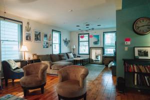 Monks House- Yale/New Haven, Prázdninové domy  New Haven - big - 6