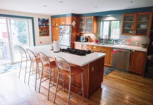 Monks House- Yale/New Haven, Prázdninové domy  New Haven - big - 1