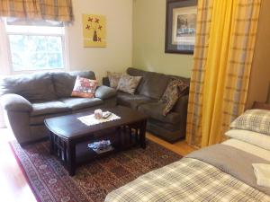 2 Bedroom Garden Coach House - Apartment - Chicago