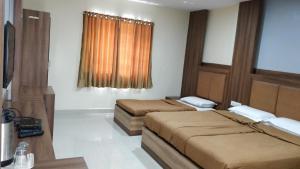 Hotel Dwaraka Paradise, Hotel  Hyderabad - big - 1