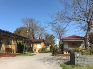 Kickback Cottages