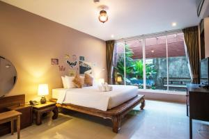 Feung Nakorn Balcony Rooms and Cafe, Отели  Бангкок - big - 69