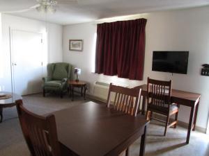 Douglas Inn & Suites, Blue Ridge, GA