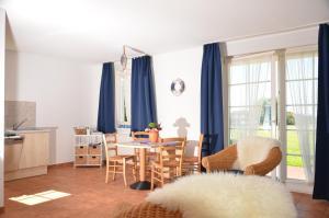 TSS Ferienwohnung _Landtraum_, Дома для отпуска  Neddesitz - big - 11