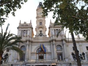 City Hall Square - Wolf, Apartmanok  Valencia - big - 32