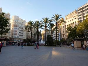 City Hall Square - Wolf, Apartmanok  Valencia - big - 33