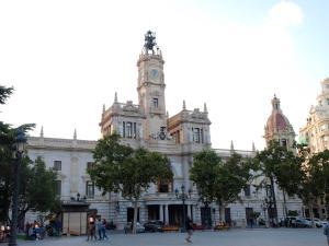City Hall Square - Wolf, Apartmanok  Valencia - big - 34