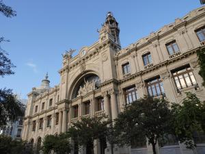 City Hall Square - Wolf, Apartmanok  Valencia - big - 36