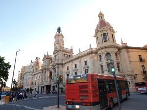 City Hall Square - Wolf, Apartmanok  Valencia - big - 39
