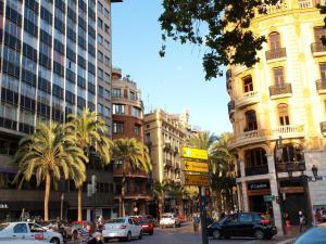 City Hall Square - Wolf, Apartmanok  Valencia - big - 41