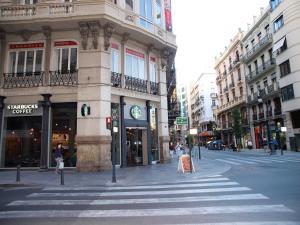 City Hall Square - Wolf, Apartmanok  Valencia - big - 43