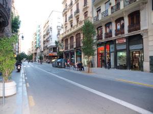 City Hall Square - Wolf, Apartmanok  Valencia - big - 44