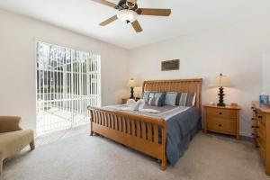 448 Belfry Home, Apartments  Davenport - big - 10