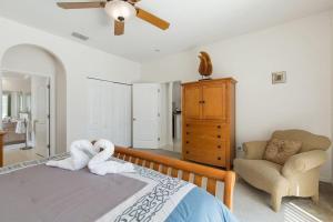 448 Belfry Home, Apartments  Davenport - big - 11