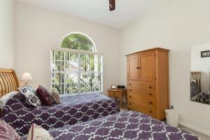 448 Belfry Home, Apartments  Davenport - big - 15